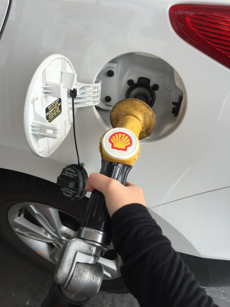 How To put petrol in your car