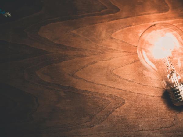 Light bulb - Setting Up Your Energy Bills In Australia
